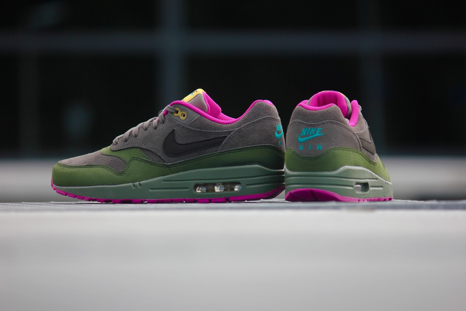 "Shoes| Nike Rings in Fall With the Air Max 1 ""Dark Pewter"""