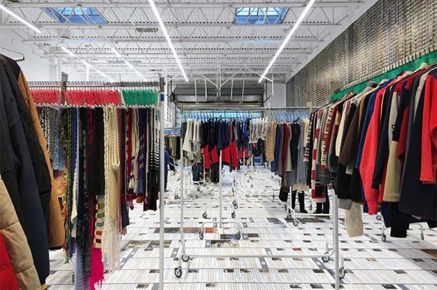 ai-weiwei-laundromat-4