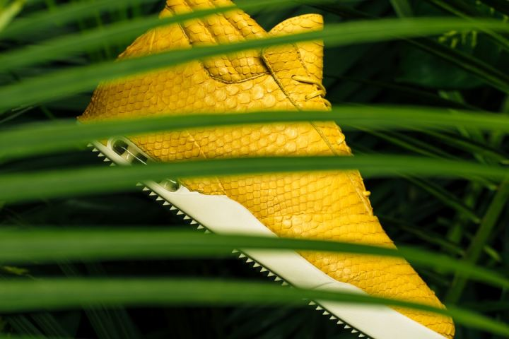 http3a2f2fhypebeast-com2fimage2f20172f082fjohn-geiger-001-matte-yellow-python-3