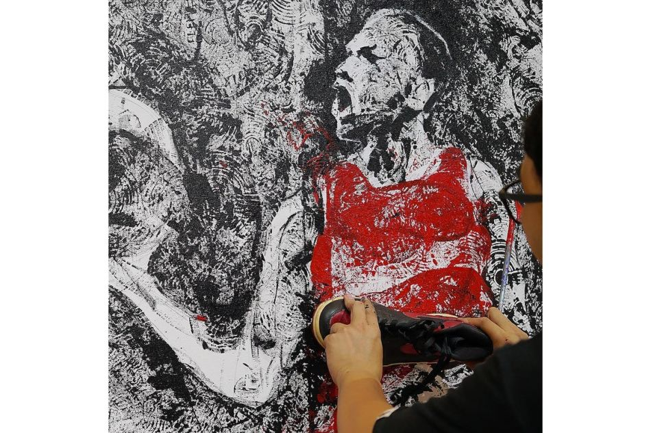 http3a2f2fhypebeast-com2fimage2f20172f092fair-jordan-1-michael-jackson-painting-02