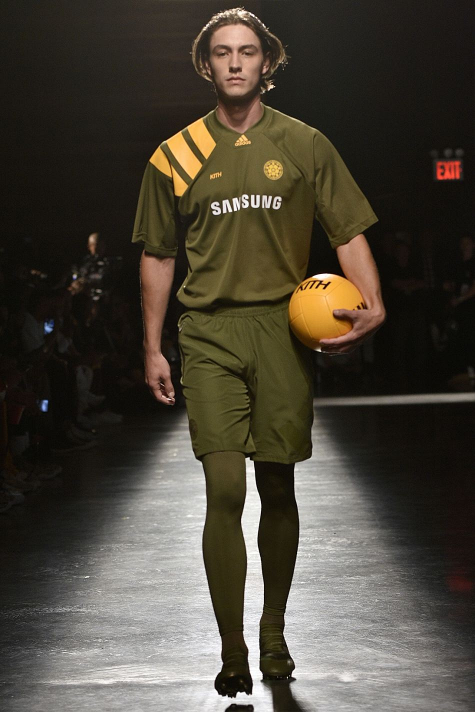 http3a2f2fhypebeast-com2fimage2f20172f092fkith-sport-2018-spring-summer-collection-runway-20