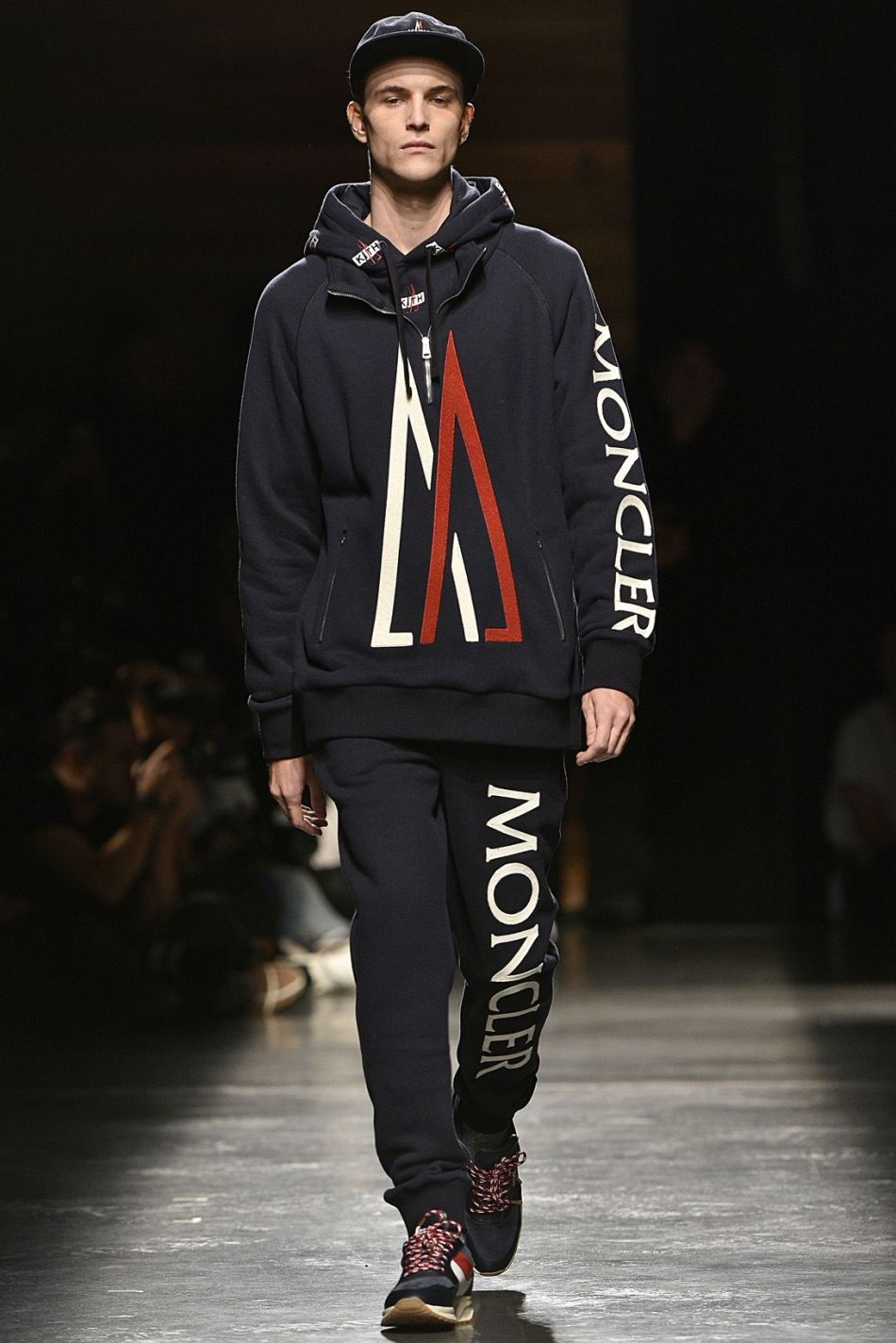 http3a2f2fhypebeast-com2fimage2f20172f092fkith-sport-2018-spring-summer-collection-runway-49