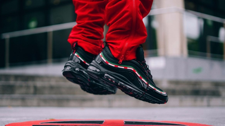http3a2f2fhypebeast-com2fimage2f20172f092fnike-air-max-97-og-undftd-6