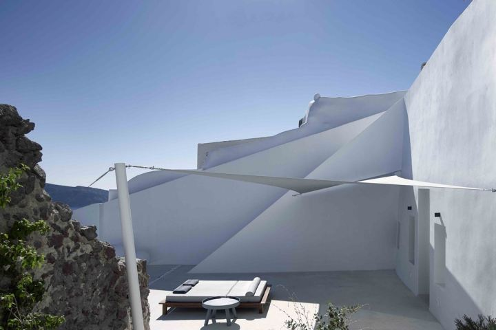 http3a2f2fhypebeast-com2fimage2f20172f092fsummer-cave-house-santorini-kapsimalis-architects-4
