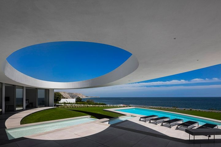 http3a2f2fhypebeast-com2fimage2f20172f102fmario-martins-ateliers-casa-eliptica-is-stunning-feat-of-a-geometrical-design-001
