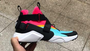 b8b757795d56 Footwear