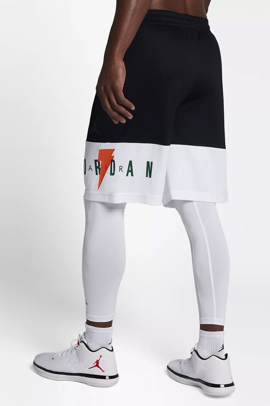 http3a2f2fhypebeast-com2fimage2f20172f112fnike-air-jordan-gatorade-apparel-collection-10