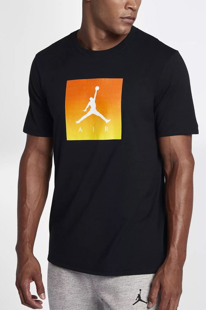 http3a2f2fhypebeast-com2fimage2f20172f112fnike-air-jordan-gatorade-apparel-collection-7