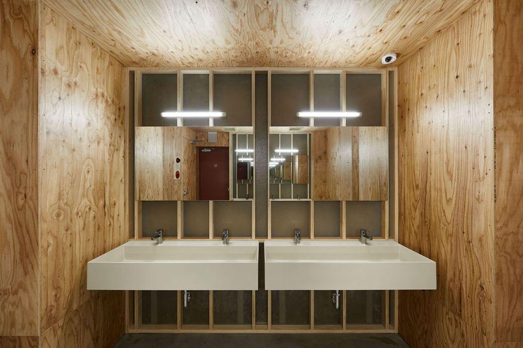 schemata-architects-do-c-ebisu-capsule-hotel-5
