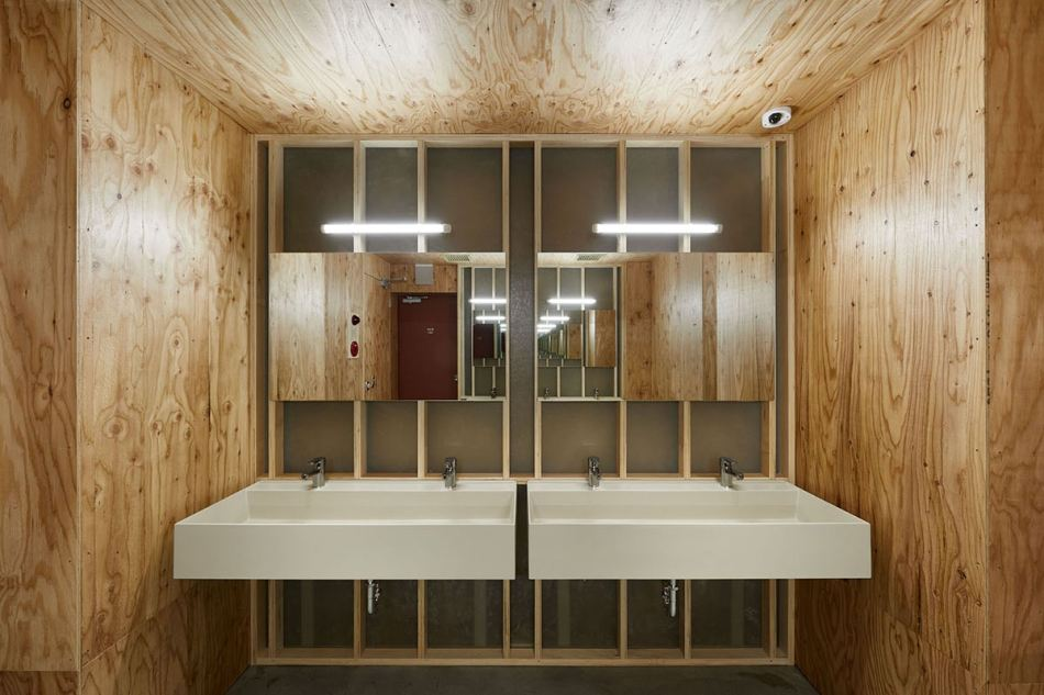 schemata-architects-do-c-ebisu-capsule-hotel-5