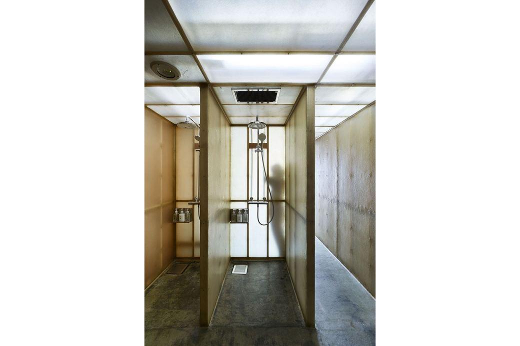 schemata-architects-do-c-ebisu-capsule-hotel-7