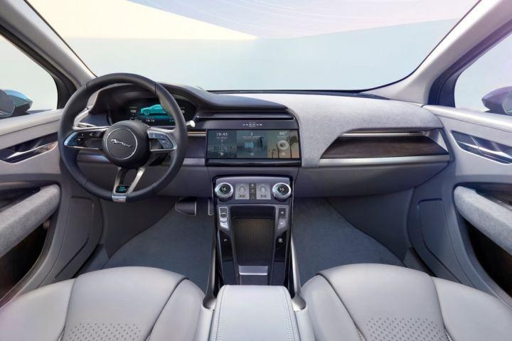 jaguar-i-pace-electric-suv-7