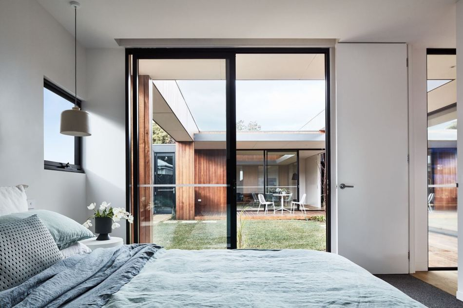 the-courtyard-house-auhaus-architecture-14