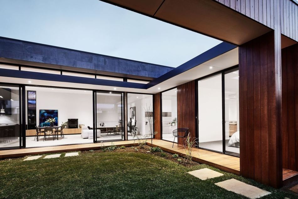the-courtyard-house-auhaus-architecture-2