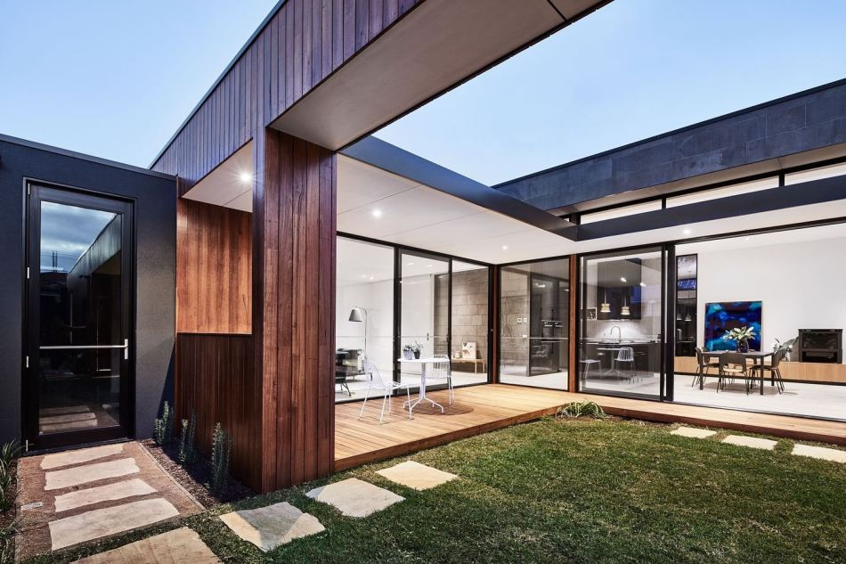 the-courtyard-house-auhaus-architecture-3
