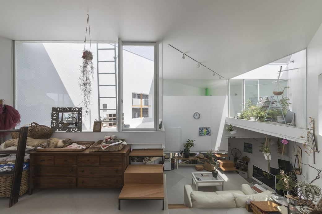 tato-architects-multi-level-home-3