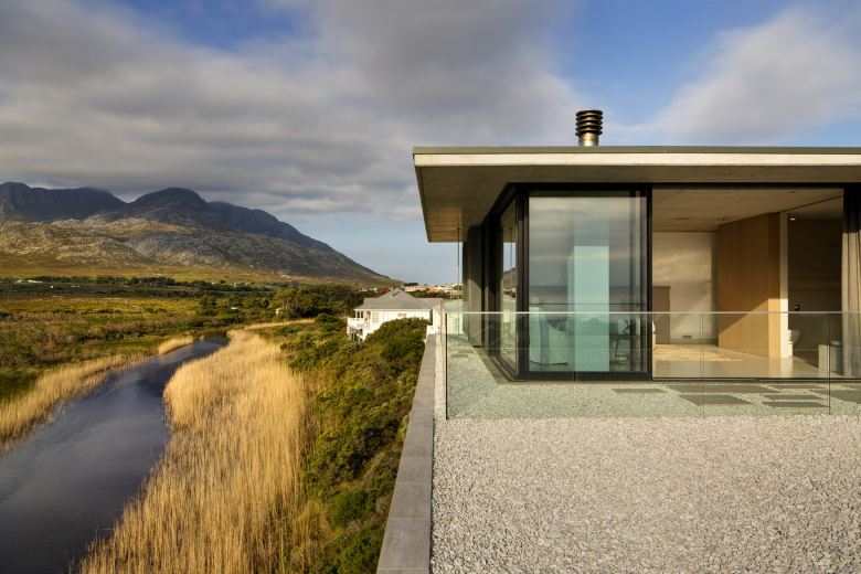 restio-river-house-saota-2