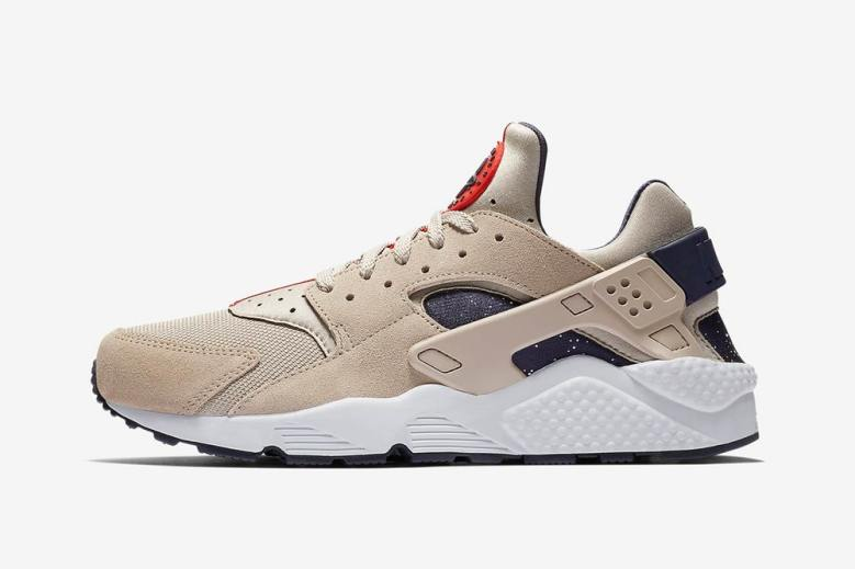 nike-air-huarache-moon-landing-closer-look-1