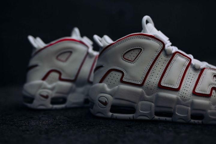 nike-air-more-uptempo-varsity-red-release-004
