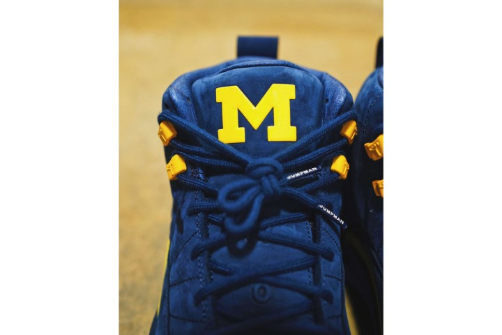 https3a2f2fhypebeast-com2fimage2f20182f062fair-jordan-12-michigan-first-look-04