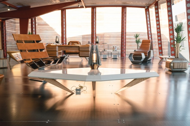 https3a2f2fhypebeast-com2fimage2f20182f062fdaft-punk-hervet-furniture-pop-up-maxfield-los-angeles-3