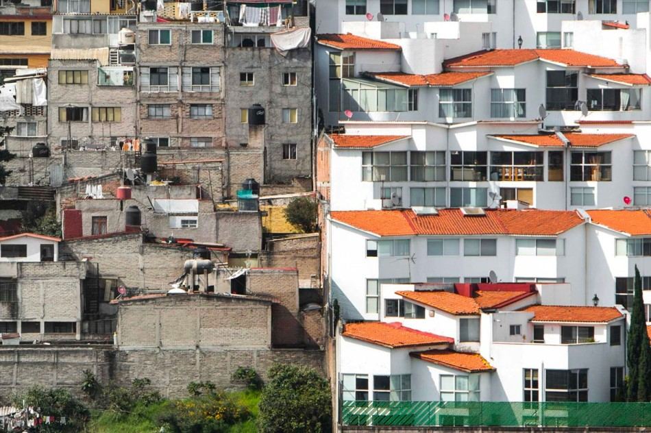 https3a2f2fhypebeast-com2fimage2f20182f082fdrone-photography-shows-stark-inequality-around-the-world-002