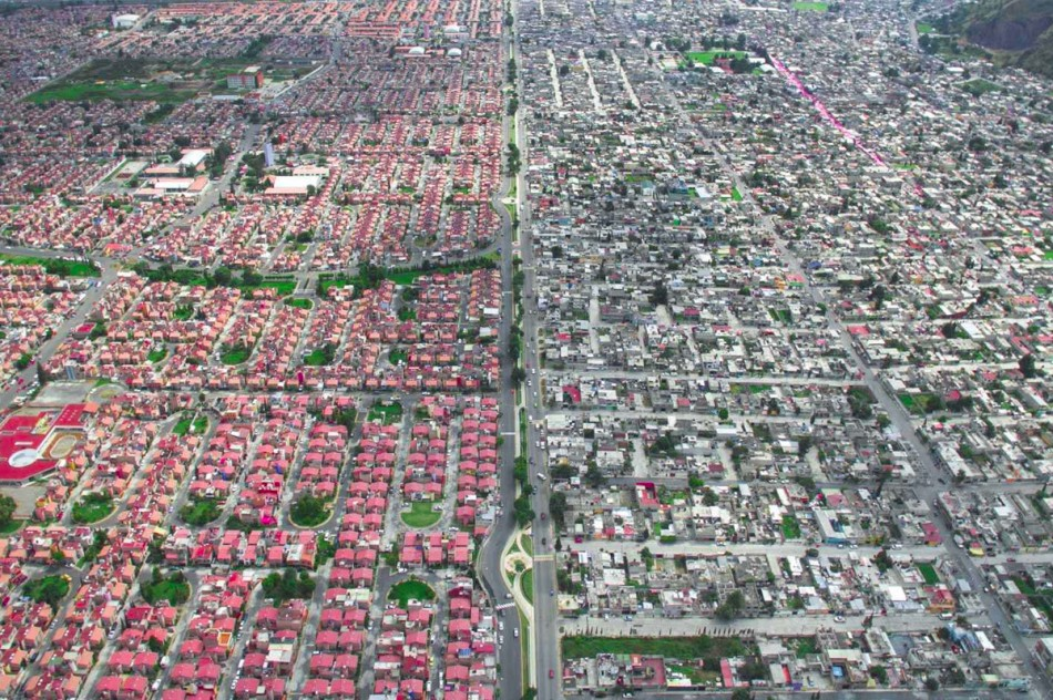 https3a2f2fhypebeast-com2fimage2f20182f082fdrone-photography-shows-stark-inequality-around-the-world-003