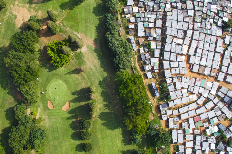 https3a2f2fhypebeast-com2fimage2f20182f082fdrone-photography-shows-stark-inequality-around-the-world-004