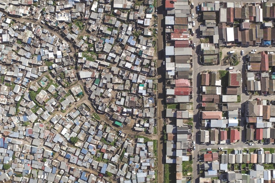 https3a2f2fhypebeast-com2fimage2f20182f082fdrone-photography-shows-stark-inequality-around-the-world-006