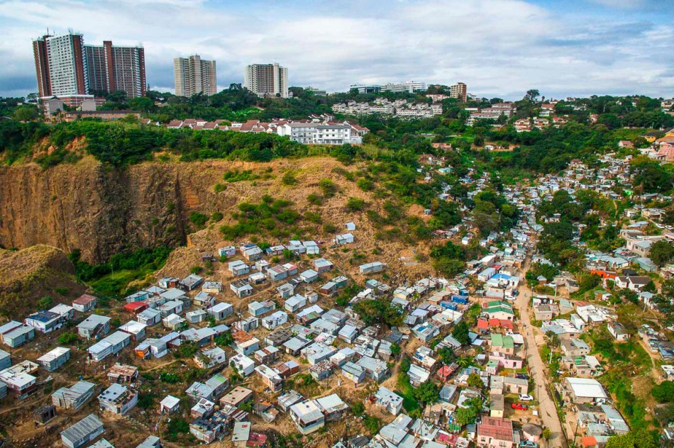 https3a2f2fhypebeast-com2fimage2f20182f082fdrone-photography-shows-stark-inequality-around-the-world-007