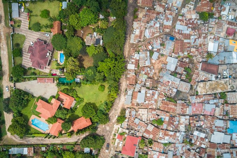 https3a2f2fhypebeast-com2fimage2f20182f082fdrone-photography-shows-stark-inequality-around-the-world-010